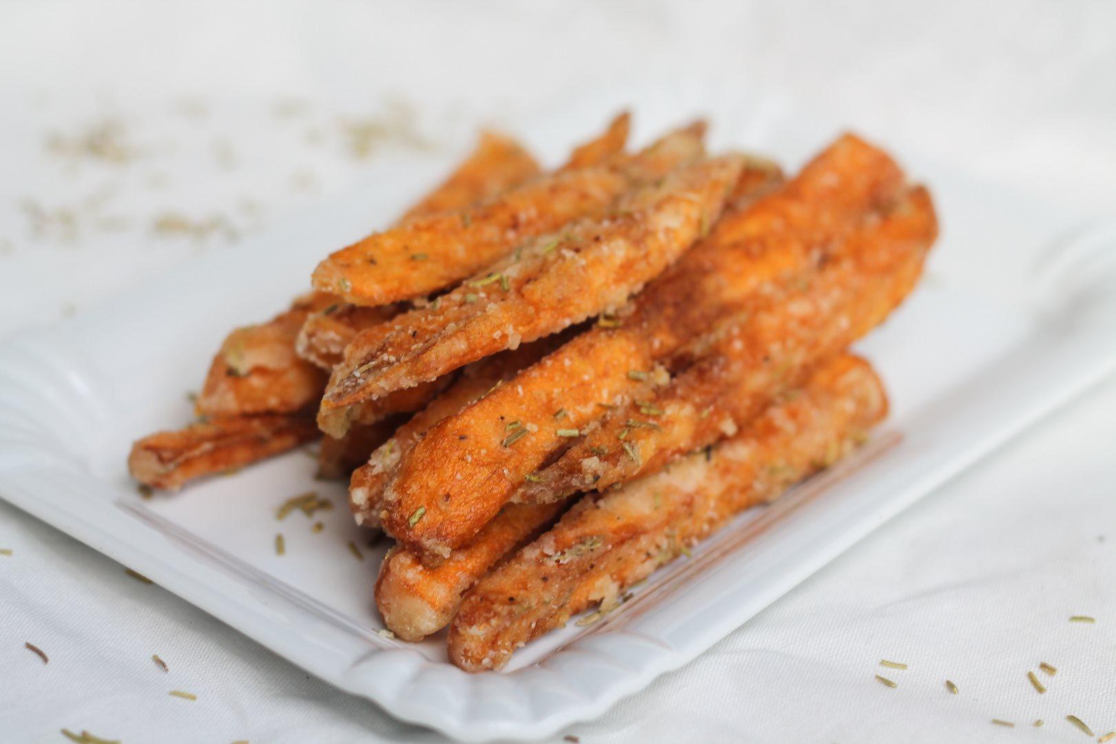 Süßkartoffelpommes